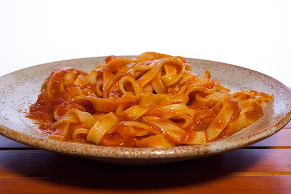 生パスタ 蟹トマトクリーム