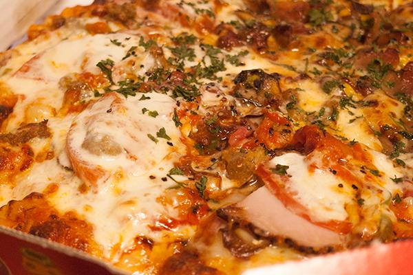 マスカルポーネの贅沢10種ピザ1