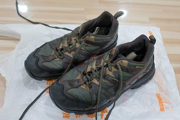 AQUA コイン式スニーカーウォッシャー MCW-W6C-5で洗った靴