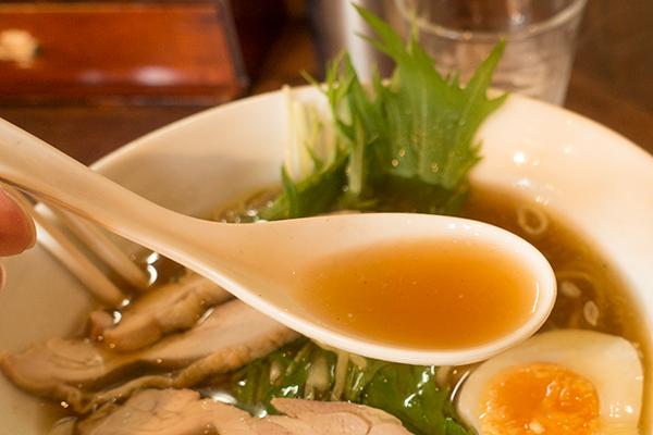 八木屋 地鶏らーめん スープ
